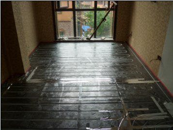 卧室木地板区域的盘管S型